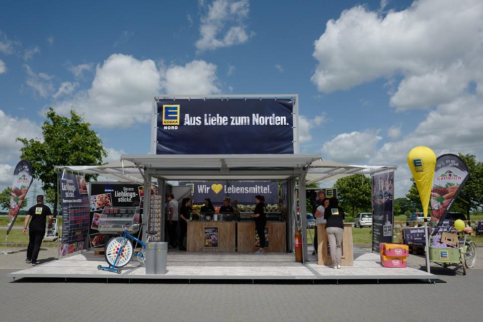 extra-platforms_modulbox-max_outdoor-mobile-booth_roadshow_festival_edk