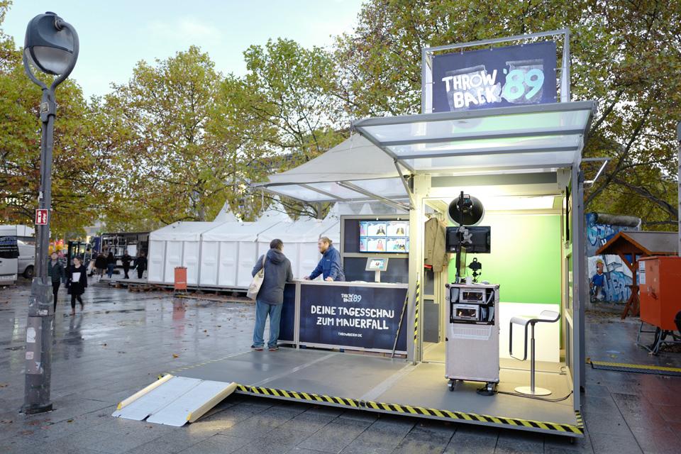 extra-platforms_modulbox_outdoor-mobile-booth_roadshow_festival_ndr