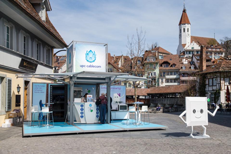 extra-platforms_modulbox_outdoor-mobile-booth_roadshow_festival_upc