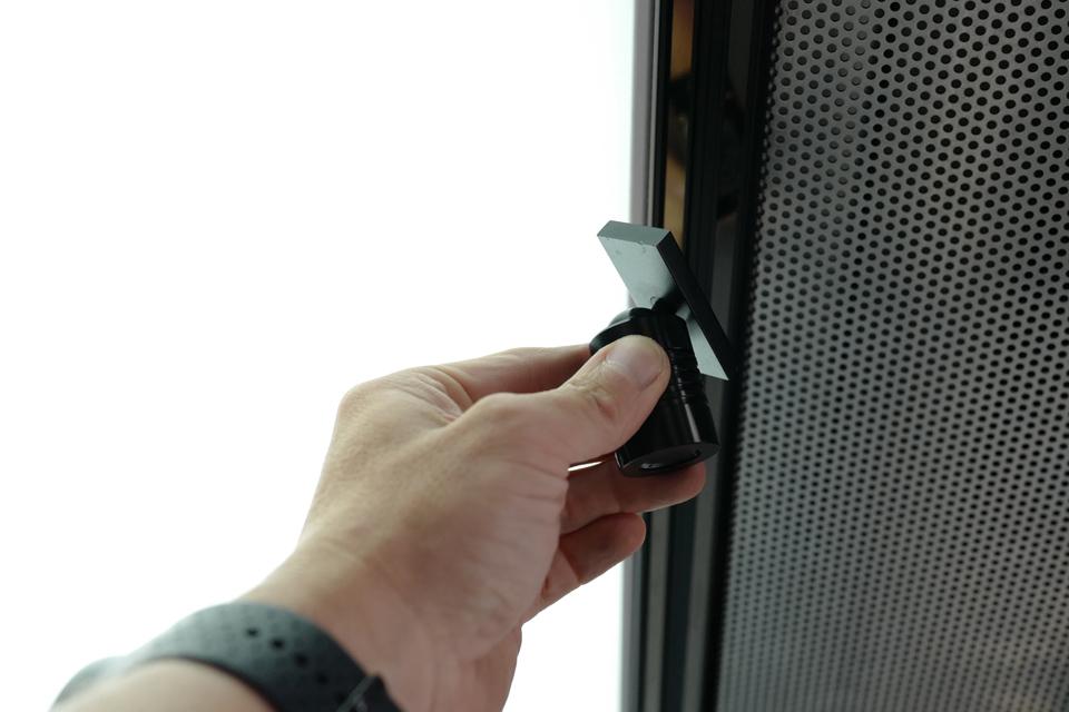 lighting-inside_magnet-spotlights_modulbox_outdoor-indoor-mobile-booth_2