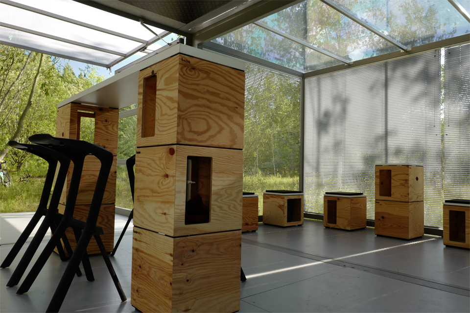 wide-box-in-box_furniture_modulbox-max_outside-society_outdoor-forest-nature