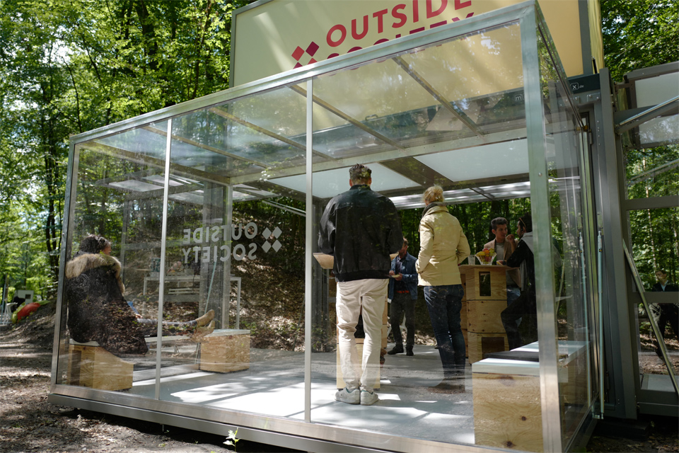 wide-box-in-box_modulbox-max_outside-society_outdoor-forest-nature-meeting